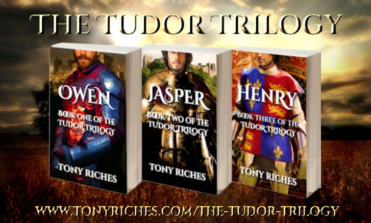 TR The Tudor Trilogy books2