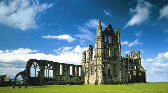whitby-abbey-ruins