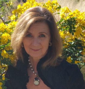 Liz Elizabeth StJohn Headshot